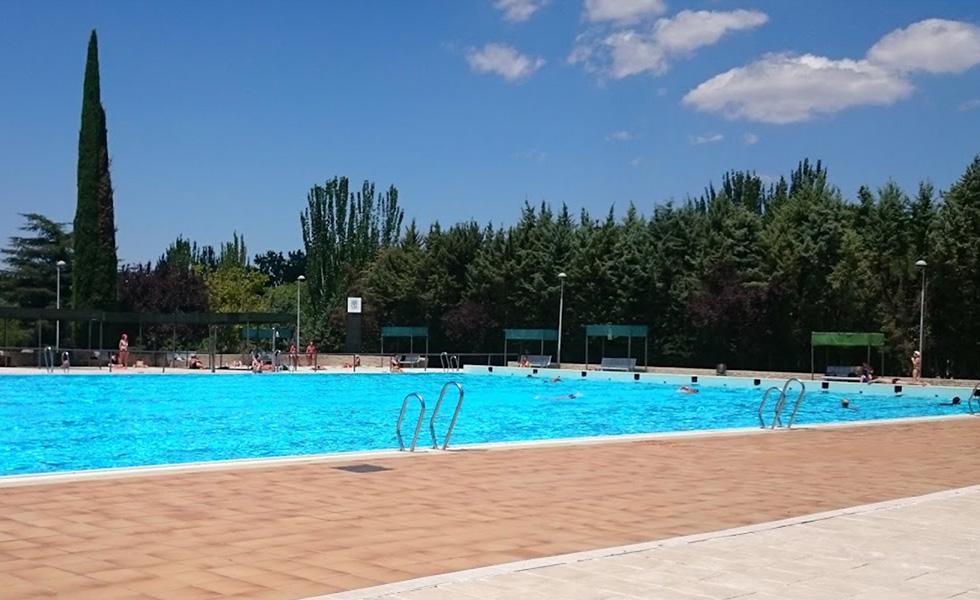 Piscinas municipales d nde refrescarnos este verano en for Piscina vicente del bosque