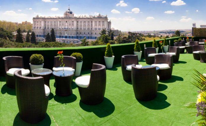 Terraza Solarium - Apartosuites Jardines de Sabatini