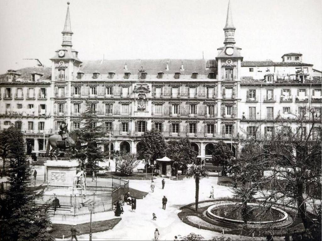 Plaza Mayor - Archivo